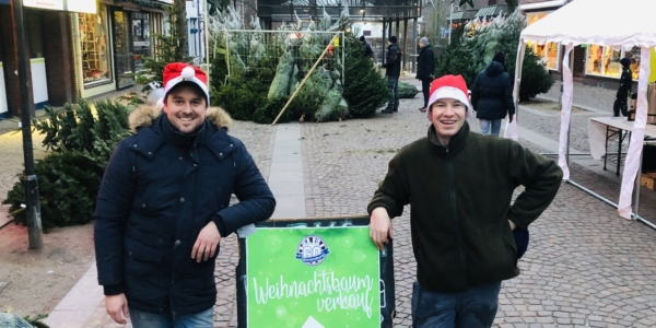 Ahrensburg: Round Table verkauft Weihnachtsbäume am 14.12.2019